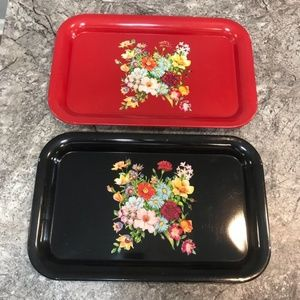 2 VINTAGE FLORAL DISPLAY TRAY RED BLACK 60s 1970s